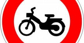 Accès-interdit-aux-cyclomoteurs