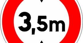 Accès-interdit-aux-véhicules-dont-la-hauteur-est-supérieure-au-nombre-indiqué