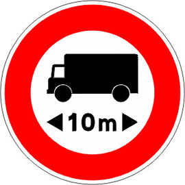 Accès-interdit-aux-véhicules-dont-la-longueur-est-supérieure-au-nombre-indiqué